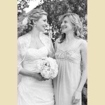 Angelika Bunde mit eleganter Braut
