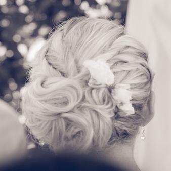 Romantische Brautfrisur von Angelika Bunde